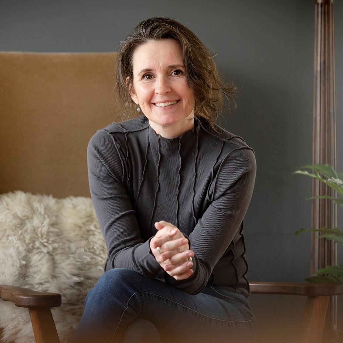 Forfatter og foredragsholder Sine Lyons - CH